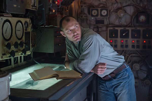 Jude Law dans Black Sea (2014)