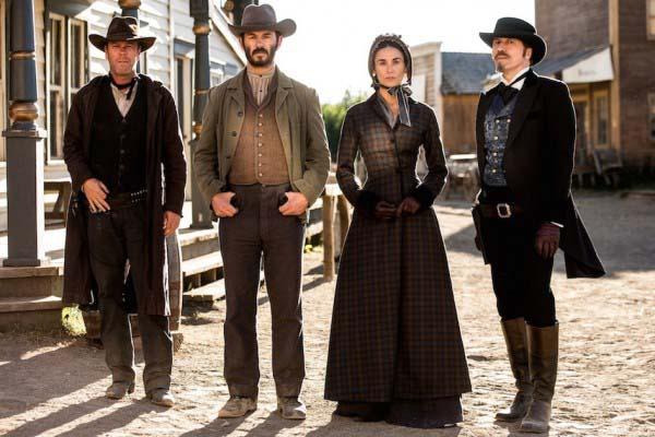 Kiefer Sutherland, Jonny Rees, Demi Moore et Michael Wincott dans Forsaken (2016)