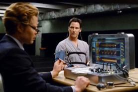 Keanu Reeves et David Richmond-Peck dans Le jour où la Terre s'arrêta (2008)