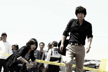 Kyung-gu Sol et Hye-jin Han dans No Mercy (2010)