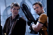 Adam Baldwin et Nathan Fillion dans Serenity - L'ultime rébellion (2005)