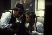 Brad Pitt et Morgan Freeman dans Seven (1995)