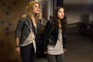 Rachael Taylor and Olivia Thirlby dans The Darkest Hour (2011)