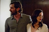 Tammy Blanchard et Michiel Huisman dans The Invitation (2015)