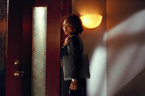 Angela Bassett dans The Score (2001)
