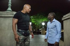 Kevin Hart et Dwayne Johnson dans Agents presque secrets (2016)