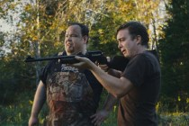 Macon Blair et Devin Ratray dans Blue Ruin (2013)