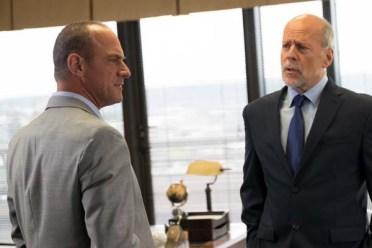 Bruce Willis et Christopher Meloni dans Marauders (2016)