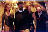 Samuel L. Jackson, Michael Rapaport, Saffron Burrows et Thomas Jane dans Peur Bleue (1999).