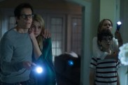 Kevin Bacon, Radha Mitchell, David Mazouz, et Lucy Fry dans The Darkness (2016)