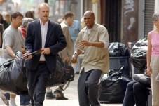 Bruce Willis et Yasiin Bey dans 16 blocs (2006)