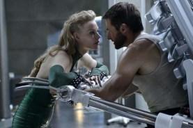 Hugh Jackman et Svetlana Khodchenkova dans Wolverine: Le combat de l'immortel (2013)