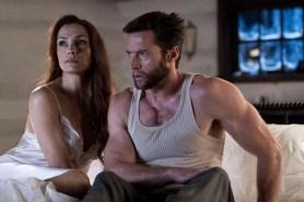 Famke Janssen et Hugh Jackman dans Wolverine: Le combat de l'immortel (2013)