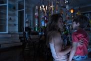 Keri Russell et Kadan Rockett dans Dark Skies (2013)