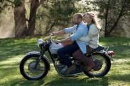 Jason Statham et Yvonne Strahovski dans Killer Elite (2011)