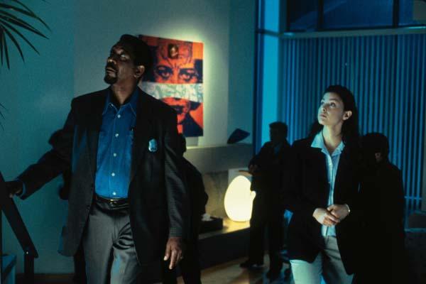 Morgan Freeman et Ashley Judd dans Le collectionneur (1997)