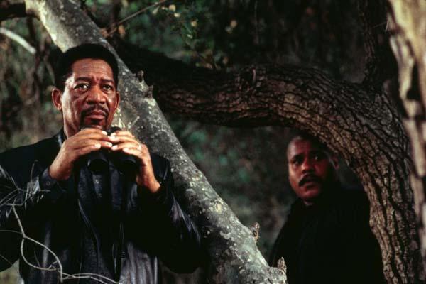Morgan Freeman et Bill Nunn dans Le collectionneur (1997)