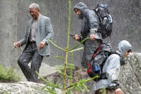 Morgan Freeman et John Cusack dans Le Contrat (2006)