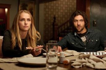 Teresa Palmer et Alexander DiPersia dans Dans le noir (2016)