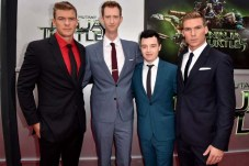 Noel Fisher, Jeremy Howard, Alan Ritchson, et Pete Ploszek pour Ninja Turtles (2014)