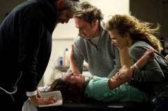 Kyra Sedgwick, Jeffrey Dean Morgan, Matisyahu, et Natasha Calis dans Possédée (2012)