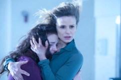 Kyra Sedgwick et Madison Davenport dans Possédée (2012)