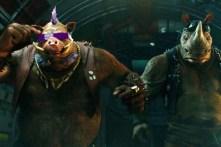 Gary Anthony Williams et Stephen Farrelly dans Ninja Turtles 2 (2016)