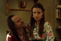 Larry Fessenden et Lisa Marie dans We Are Still Here (2015)