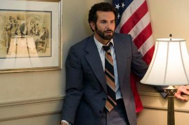 Bradley Cooper dans American Bluff (2013)