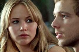 Max Thieriot et Jennifer Lawrence dans La maison au bout de la rue (2012)