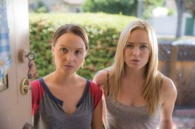 Caity Lotz et Camilla Luddington dans The Devil's Pact (2014)