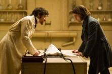 James McAvoy et Daniel Radcliffe dans Docteur Frankenstein (2015)
