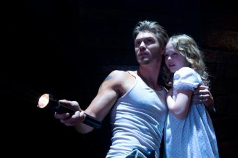 Chad Michael Murray et Emily Alyn Lind dans Ghosts of Georgia (2013)