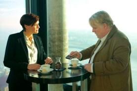 Philip Seymour Hoffman et Robin Wright dans Un homme très recherché (2014)