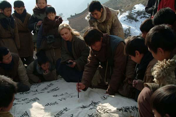 Radha Mitchell dans Les Orphelins de Huang Shi (2008)