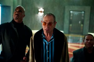 Tommy Lee Jones dans Mechanic: Resurrection (2016)