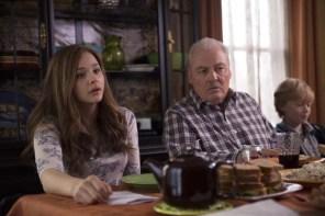 Stacy Keach et Chloë Grace Moretz dans Si je reste (2014)