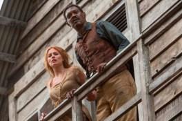 Samuel L. Jackson et Margot Robbie dans Tarzan (2016)