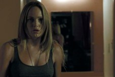 Caity Lotz dans The Pact (2012)