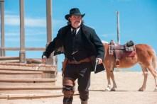 John Travolta dans In a Valley of Violence (2016)
