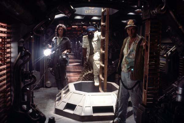 Sigourney Weaver, Yaphet Kotto, et Harry Dean Stanton dans Alien - Le 8ème passager (1979)