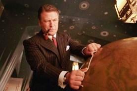 Alec Baldwin dans Aviator (2004)