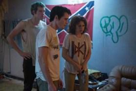 Alia Shawkat, Anton Yelchin, et Callum Turner dans Green Room (2015)
