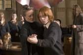 Maggie Smith et Rupert Grint dans Harry Potter et la coupe de feu (2005)