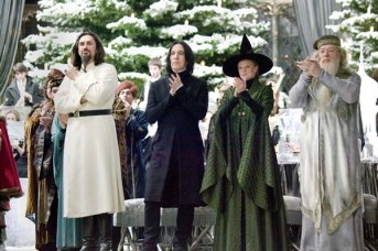 Alan Rickman, Maggie Smith, Michael Gambon, et Predrag Bjelac dans Harry Potter et la coupe de feu (2005)