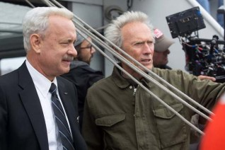 Clint Eastwood et Tom Hanks sur le tournage de Sully (2016)