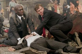 Dennis Quaid et Richard T. Jones dans Angles d'attaque (2008)
