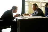 Leonardo DiCaprio et Tom Hanks dans Arrête-moi si tu peux (2002)