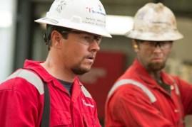 Mark Wahlberg et Jeremy Sande dans Deepwater (2016)