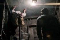 Henry Thomas et Lulu Wilson dans Ouija: les origines (2016)
